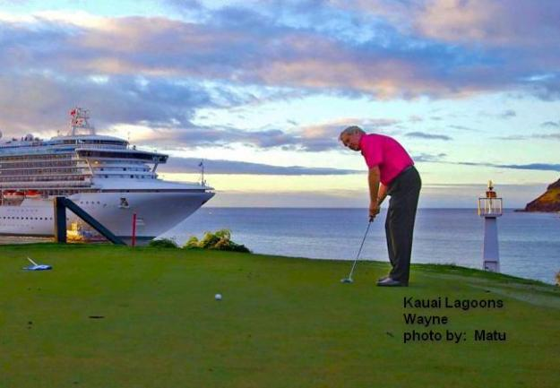 Wayne on 16th green at the Hokuala Golf Club on Kauai in Hawaii