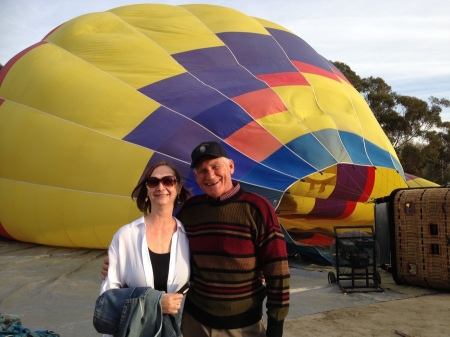 2015-12-06--#01--Hot Air Ballooning - Linda and Wayne