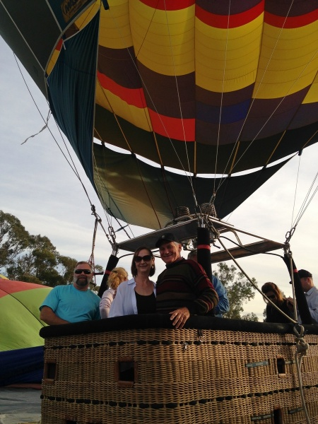 2015-12-06--#03--Hot Air Ballooning - Linda and Wayne